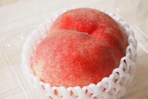 Oisix産直おとりよせ市場で購入した桃