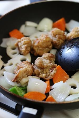 10分でできる本格手料理キット「鶏竜田と野菜の雑穀黒酢あんかけキット」