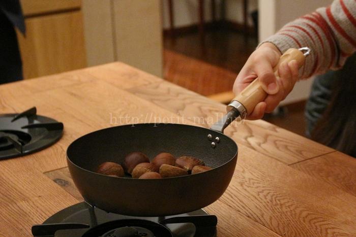 お手入れしやすい鉄のフライパン(ベルメゾンデイズ)