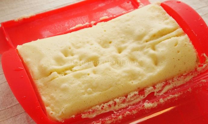 ルクエスチームケースで作るバナナ蒸しケーキ